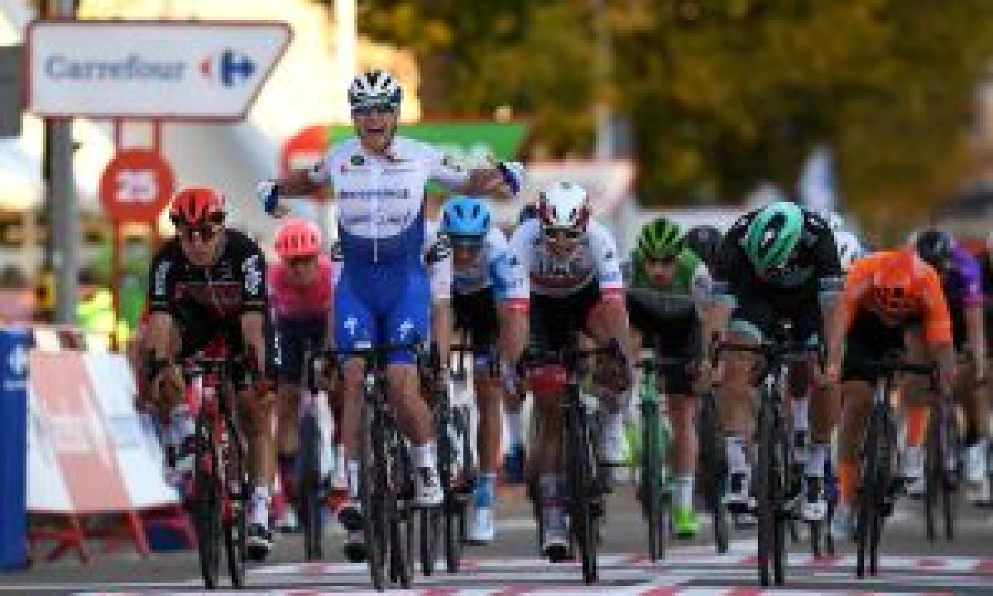 Sam Bennett doubles up with comfortable victory on stage nine of the Vuelta a España 2020