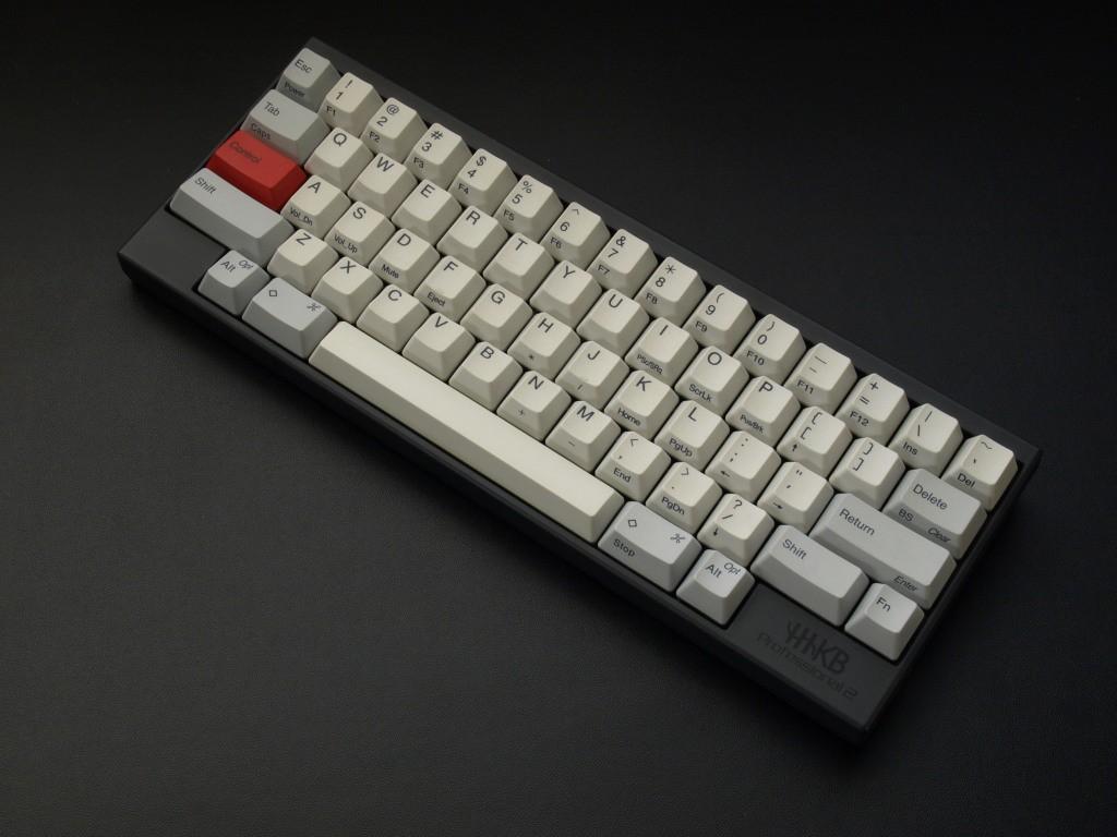 6a3635bd19 Happy Hacking Keyboardに出会う前、私はキーボードなんてパソコン付属のもので十分と、特にこだわりはありませんでした。 付属の キーボードが壊れて買い換えるとき ...