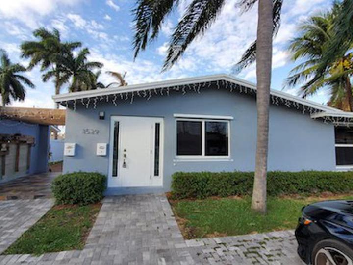 1529 Arthur St, Hollywood FL 33020 wholesale property listing for sale