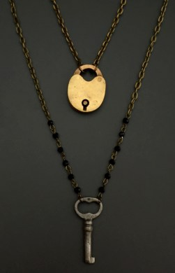 Antique Apple Padlock with Key, 2 pcs - $77 (SW603)