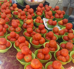Tomatoes and New Smyrna Beach Farmers Market in Florida