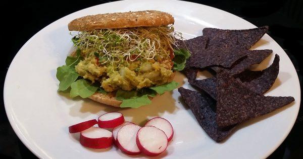 spicy avocado chickpea sandwish