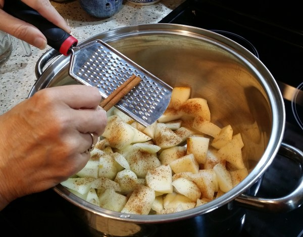 holiday pear sauce