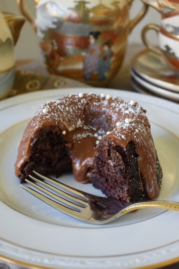 chocolate mini bundt cakes