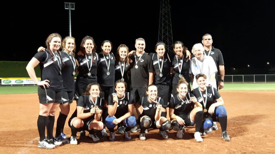 Nella foto, il Forlì celebra la vittoria della coppa Italia dello scorso anno (da FIBS.it)