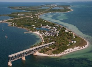 A view of a large body of water - Bahia Honda State Park