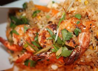#Eats: 2 Cents enchants with eclectic taste, style - A close up of a plate of food - Pad thai