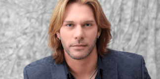 Winner of 'The Voice' comes to Songwriters - Craig Wayne Boyd smiling for the camera - Craig Wayne Boyd