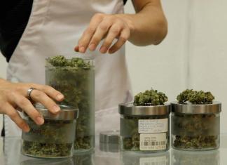 Medical Marijuana 101: A Crash Course - A woman preparing food in a kitchen - Cannabis shop
