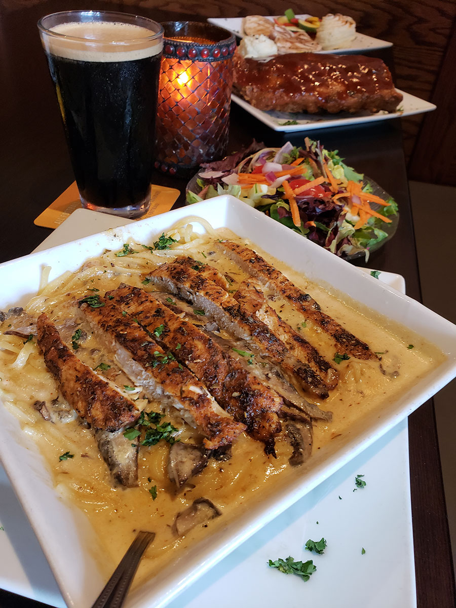 Keys Eats: Ale House Offers All American Soul Food in Marathon - A plate of food on a table - Soul Food House