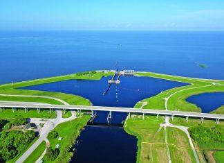OKEECHOBEE lake levels – Army Corps of Engineers hosts meet in the Keys - A bridge over a body of water - Lake Okeechobee
