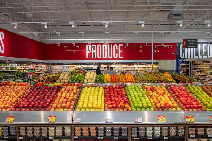 Winn-Dixie re-opens in Marathon - A store filled with lots of produce - Marathon