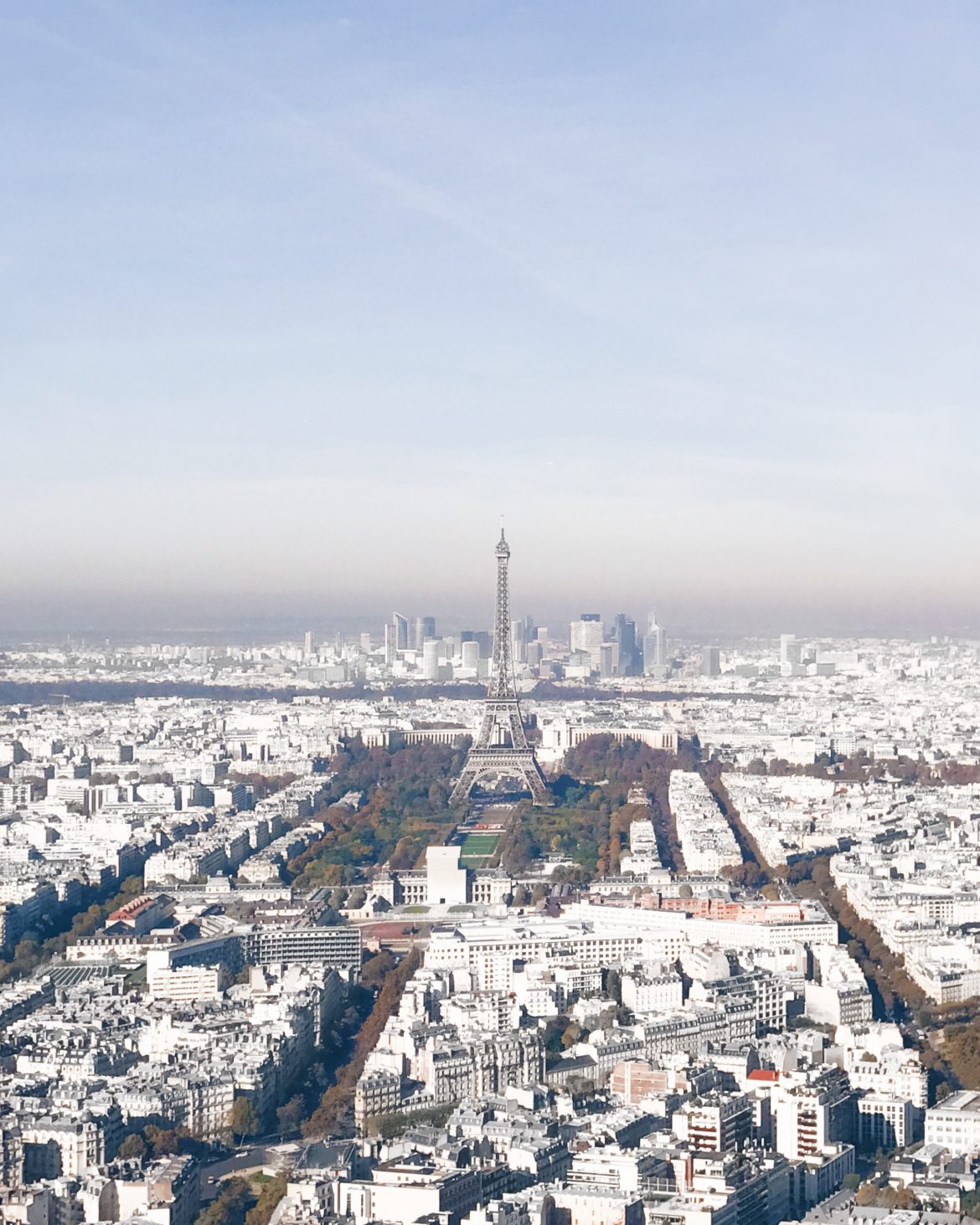 Vista de Paris e da Torre Eiffel - Ciel de Paris - Kezia Happuck