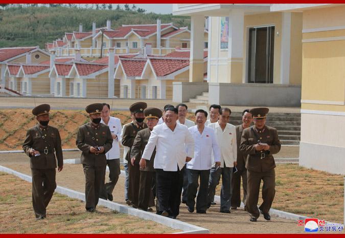 Máximo Dirigente recorre comuna de Kangbuk