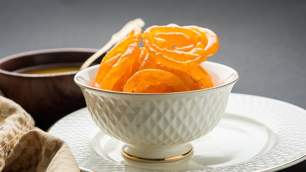 Jalebi Recipe | Riwaiti Mithaiyan in English