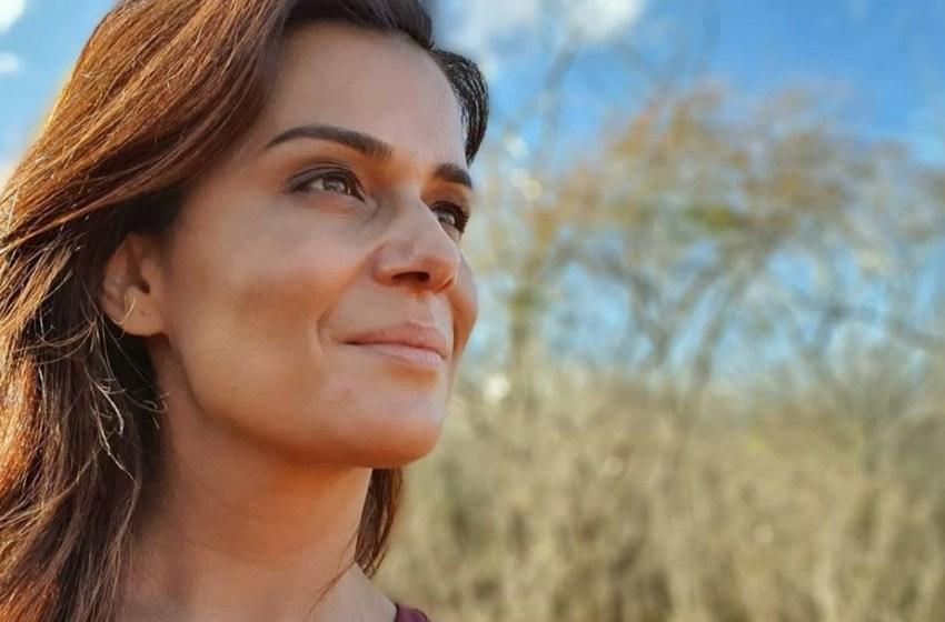 Adriana Araújo retorna à tela da Record no comando do 'RRI'