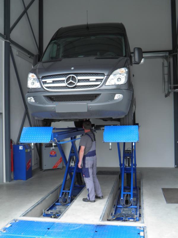 Wartung, Reparatur und Pflege der Fahrzeugflotte aus einer Hand Berlin