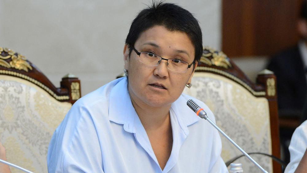 Кесиптик билим берүү агенттигинин башчысы Карасартова кызматтан кетти