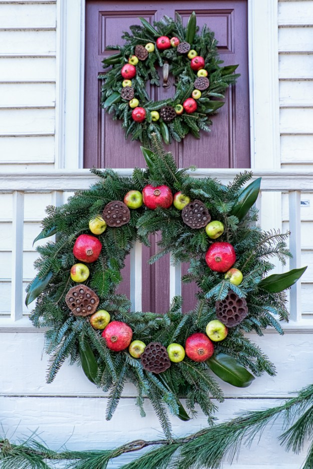150103_Williamsburg Wreaths by .