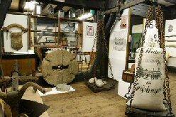 Raum 19: Haus- und Handwerk Mühlentechnik und Schrannenwaage