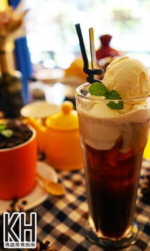 《拉斐爾廚坊》漂浮紅茶