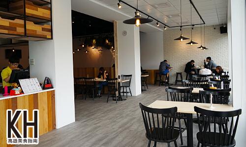 《濰克早午餐》三間店面打通大空間