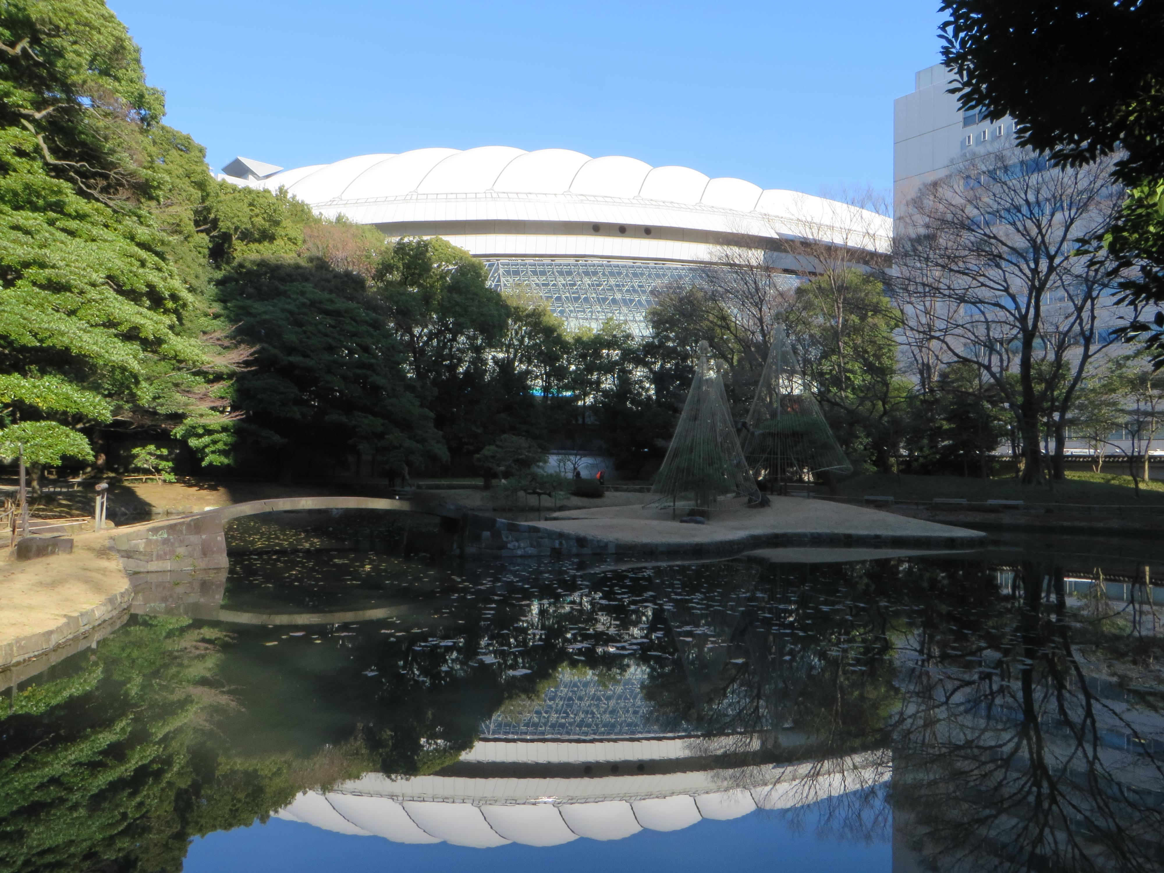東京ドームと後楽園