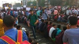 4 કલાક બાદ પૂરી થઈ મુંબઈમાં રેલવે અપ્રેન્ટિસ વિદ્યાર્થીઓની હડતાળ