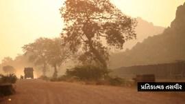અમરેલીના બીસ્માર રસ્તાઓથી ઉડતી ધૂળની સામે શાસકોના વિરોધમાં માસ્ક અપાયા