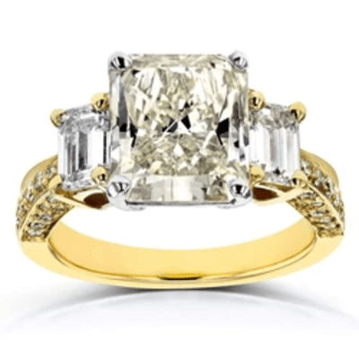 GRAND RECTANGULAR 3-STONE RING (5.79 CTW, CERTIFIED)