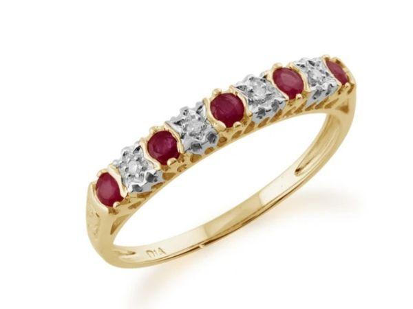 CLASSIC RUBY & DIAMOND HALF ETERNITY 9CT YELLOW GOLD RING