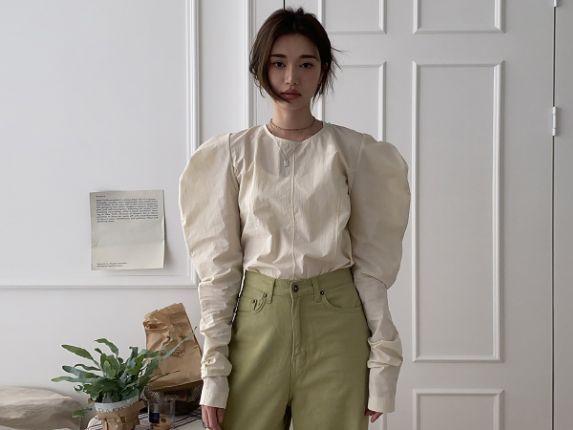 Gigot Sleeve Blouse