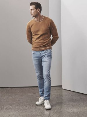 Charisma Relaxed Straight Jeans In Light Shaded Ultra