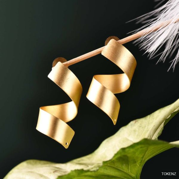 Stunning Twisted Gold Finish Earrings
