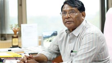 Photo of हिन्दु होते हुए भी ये मंत्री 35 साल से दोस्ती के लिए रख रहा है रोज़ा