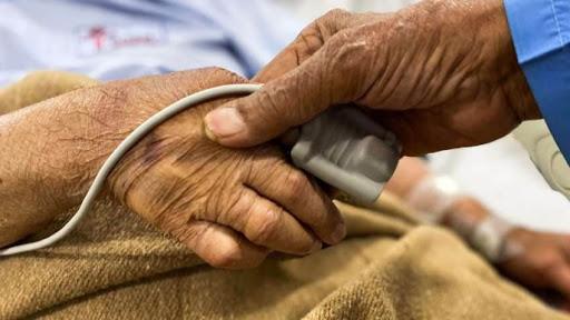 107 years old lady beat corona in Maharashtra