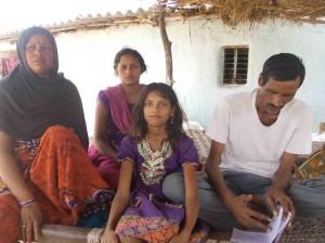 कई राज्यों में यदि इस तरह लोग फौज द्वारा पकड़े जाएं तो राज्य सरकार उनके परिवारों की मदद करती है पर उत्तर प्रदेश सरकार ने इन मछुवारों के परिवारों को कोई सहायता नहीं दी।