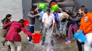 ice-bucket-challenge-akhay-kumar
