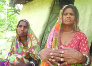 मजदुर लक्ष्मी देवी और रिक्षिया देवी