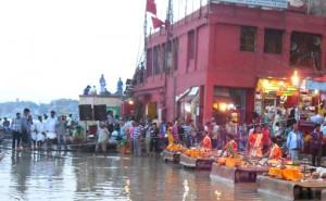 22-07-15 Kshetriya Banaras - Ganga Level web