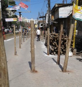 05-08-15 Kshetriya Banaras - Kaanwad Barriers web