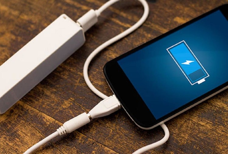 Follow these smart tips to save your smartphone battery- ख़बर लाज़मी