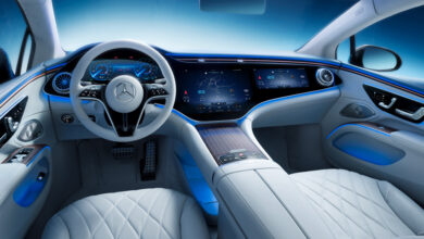 Toyota تكشف عن نموذج سيارة BZ4X وتستعرض
