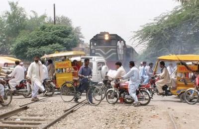 Railways, level crossings, Pakistan Railways, Pakistan Railway crossings
