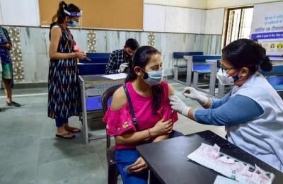 India vaccine death, vaccination