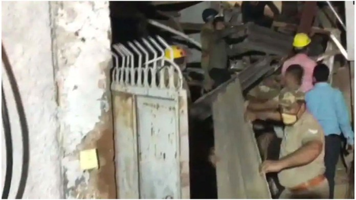 building-collapsed-in-noida-sector-24