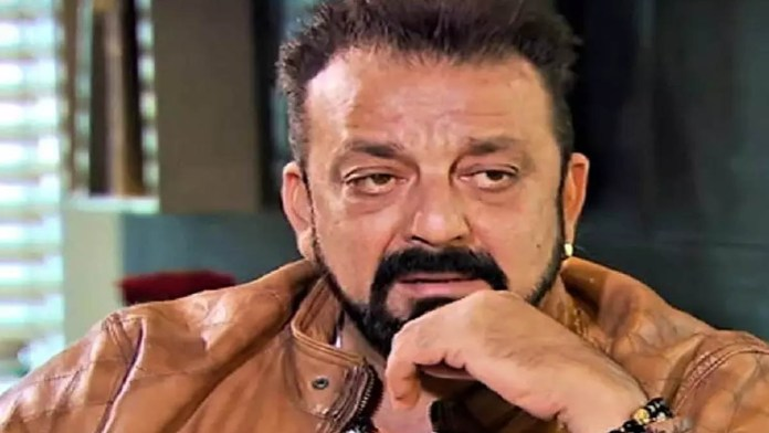 sanjay dutt admitted to hospital