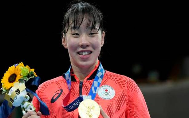 Tokyo Olympics | 'Unathletic' Sena Irie wins maiden gold for Japan in women's boxing