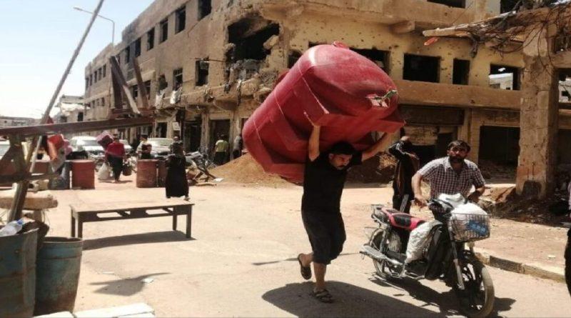 درعا.. حركة نزوح تستدعي افتتاح مراكز إيواء مؤقتة بانتظار التسوية أو الحسم