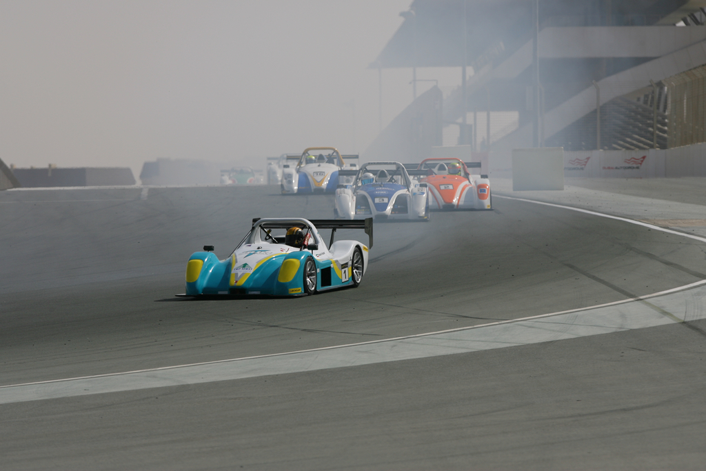 Radical SR3 UAE -2010-11-12-10